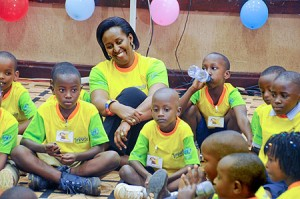 first_lady_jeannette_kagame_together_with_children-4998c